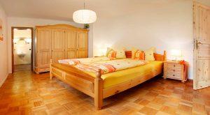 Schlafzimmer in der Ferienwohnung von Gabi Moritz, Hilders
