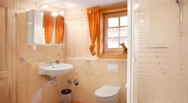 Großes Badezimmer im Ferienhaus Moritz in Oberweid - von Gabi Moritz