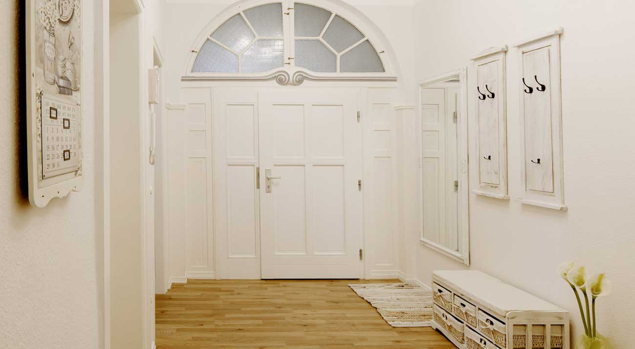 Eingangsbereich mit Flur in der Ferienwohnung Suhler Stadtperle von Gabi Moritz