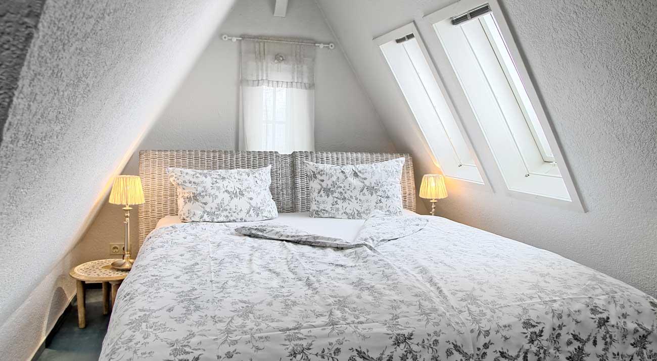 Schlafzimmer in der Ferienwohnung Suhler Loft im Thüringer Wald